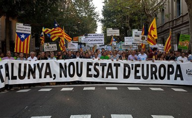 """La pancarta """"Catalunya, nou esrar d'Europa"""" iniciaba la manifestación de la Diada 2012. Fuente: Carlos Montañes."""