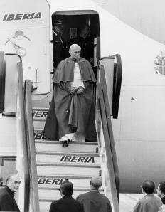El Papa en uno de sus muchos viajes. Fuente: Iberia Airlines.