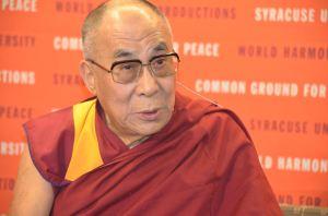 El Dalái Lama en la universidad de Siracusa (EEUU) | Fuente: VOA